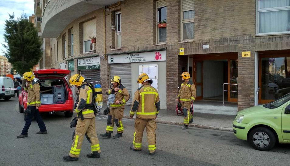 Els bombers treballant en l'operatiu