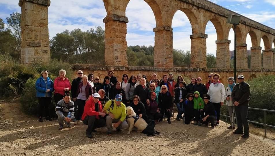 Una trentena de persones van participar a la caminada de l'ADCT.