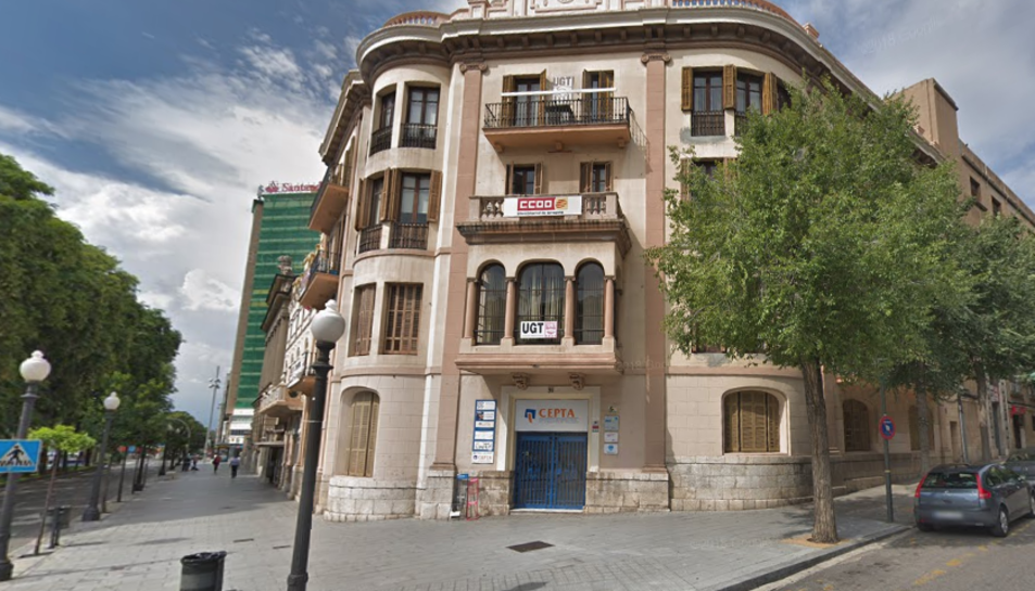 Imatge de la seu dels sindicats UGT i CCOO a Tarragona.
