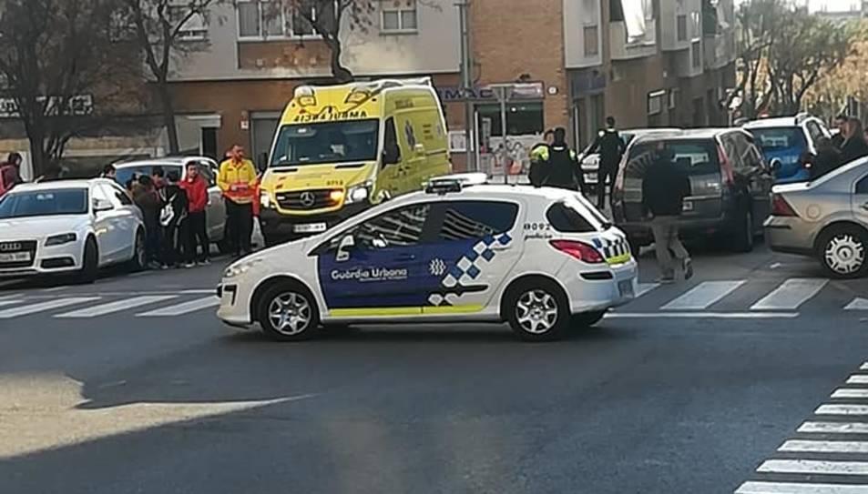 El SEM i la Guàrdia Urbana s'ha desplaçat fins al punt de l'accident.