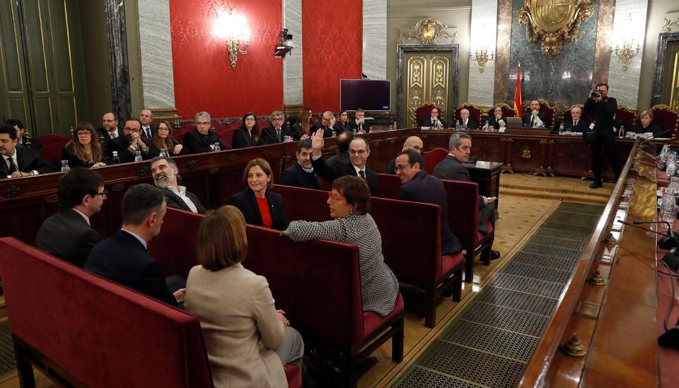 Los doce políticos independentistas acusados en el inicio del juicio del proceso