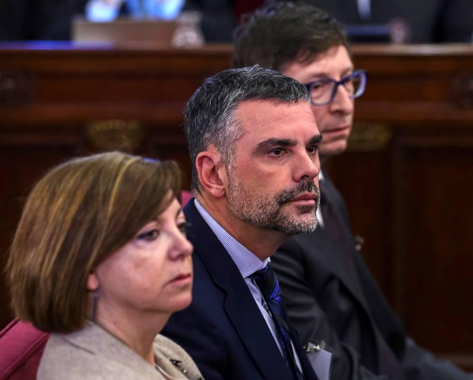 Meritxell Borràs, Santi Vila i Carles Mundó, durant la primera jornada del judici de l'1-O.
