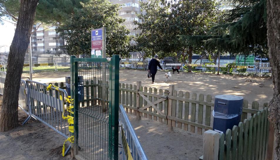 Imatge de l'actual espai per a gossos al parc Sant Jordi.