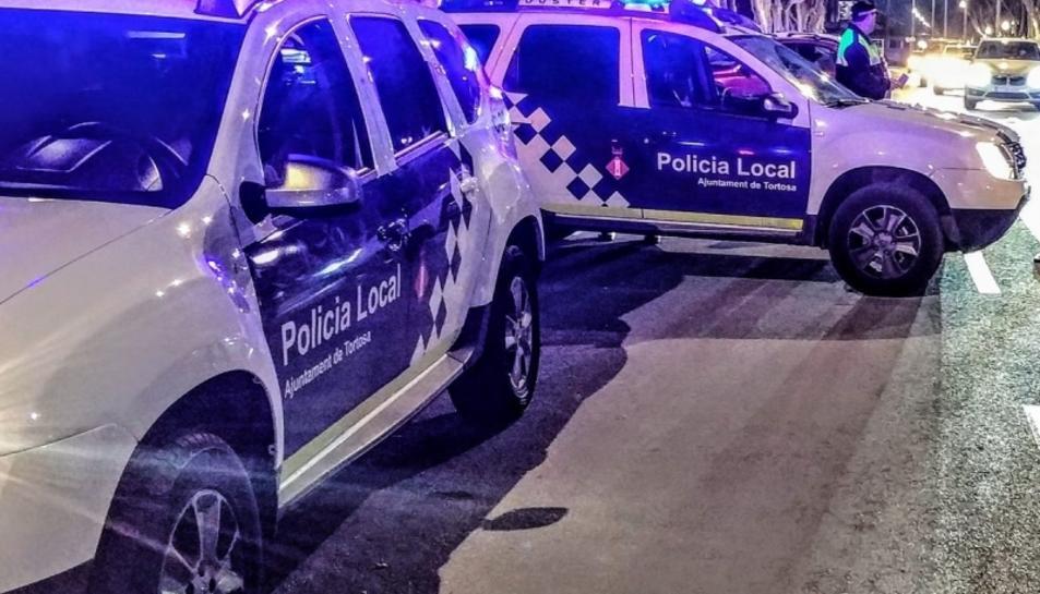 La Policia Local l'acusa d'un delicte de danys en almenys cinc vehicles.