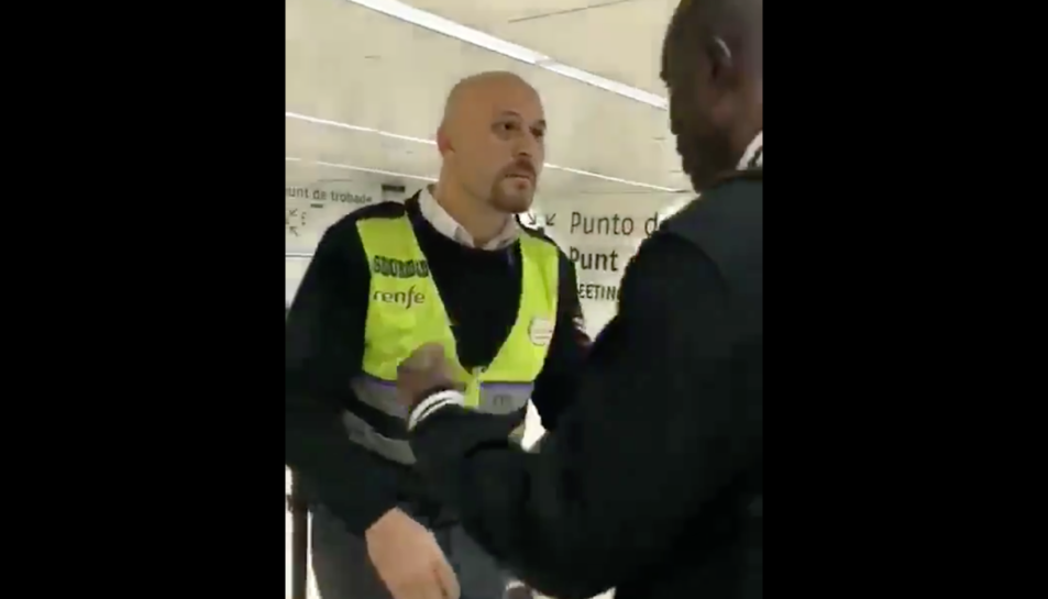 Imatge de l'agent de seguretat acusat de racisme durant la trifulga.