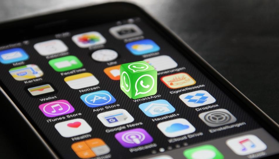 La mitjana d'accessos a WhatsApp per dia de la població general és de 26,4.