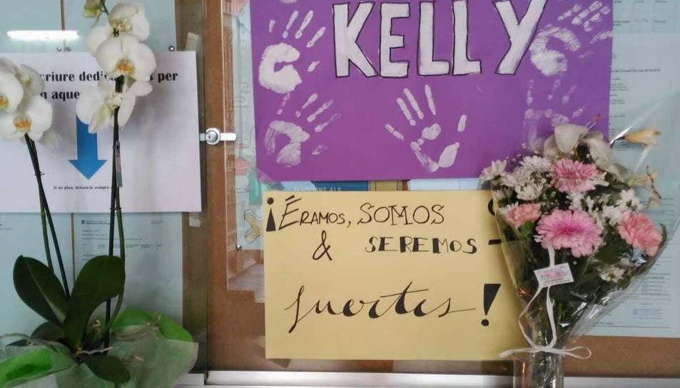 Imatge d'un cartell que es troba a l'entrada de l'Institut en record a la Kelly.