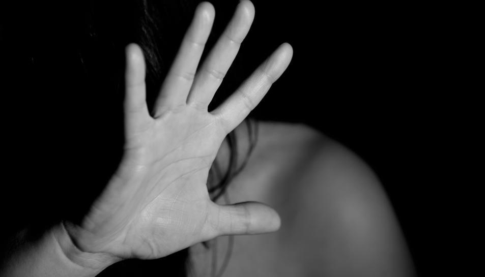 LA majoria de les víctimes de violència masclista conviuen amb el seu agressor.