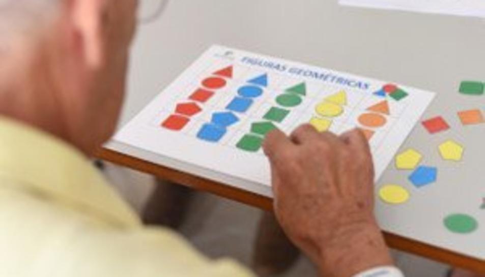 L'associació vol recollir fons per lluitar contra l'alzheimer.