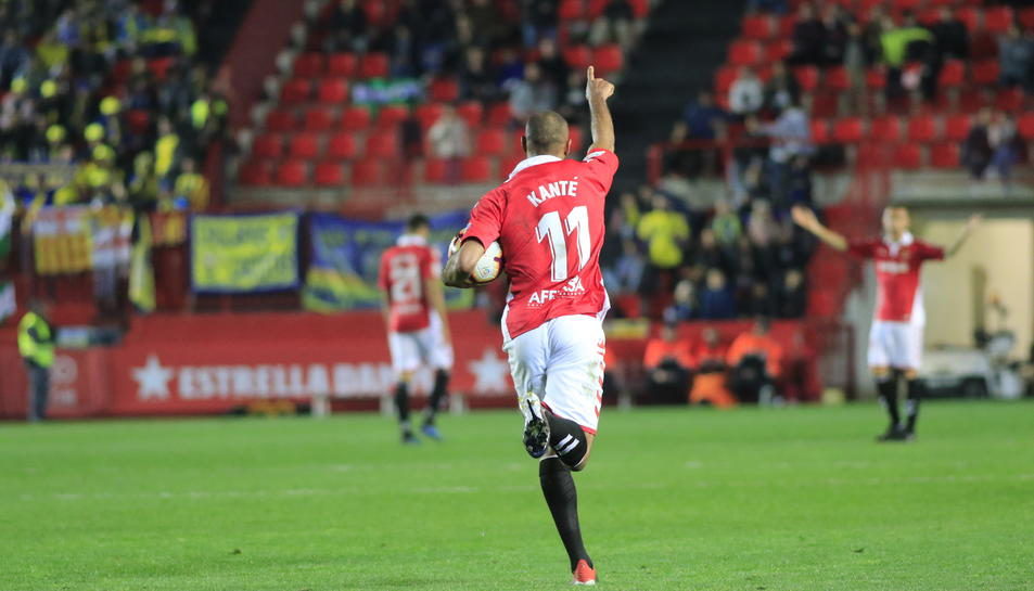 Kanté celebra un gol contra el Cádiz