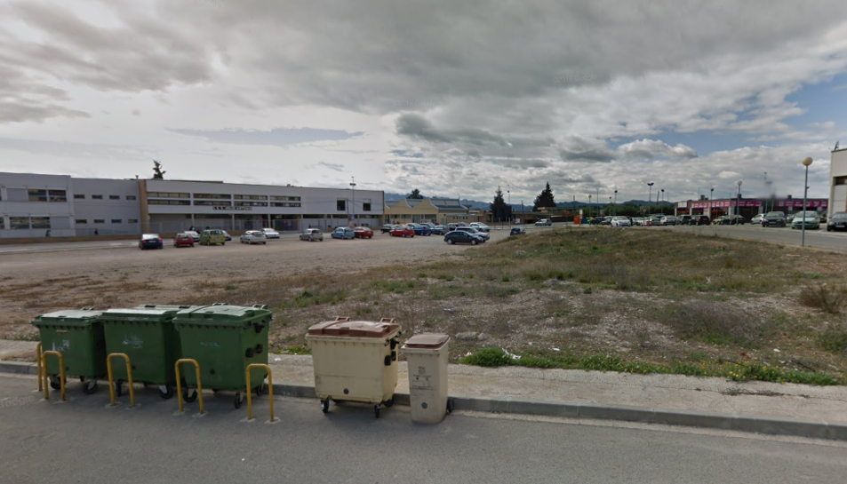 Imatge dels terrenys on es volia situar la gasolinera.