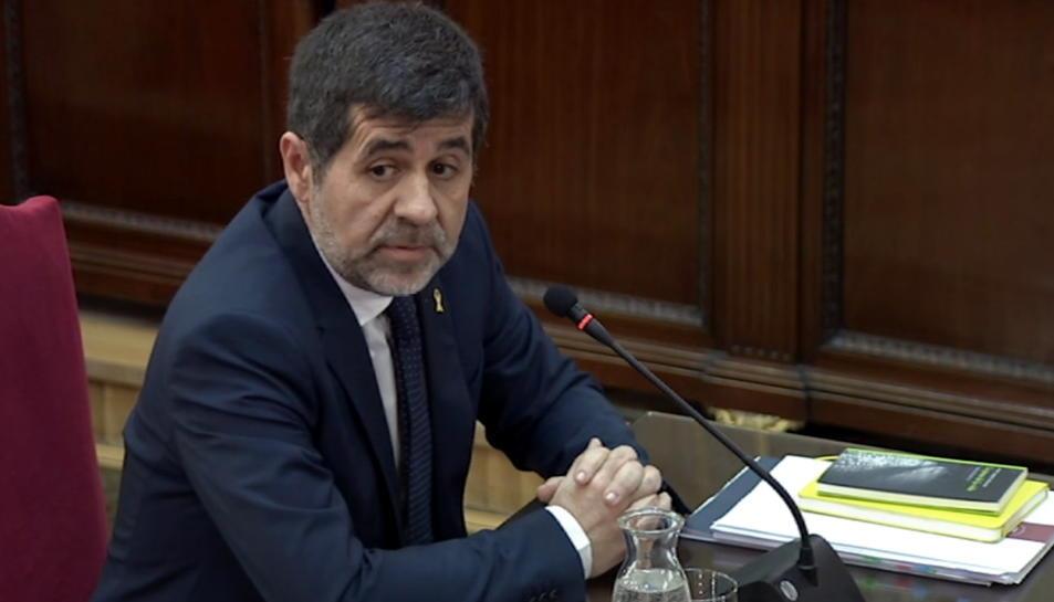 Imatge extreta de la senyal institucional del Suprem, de Jordi Sànchez declarant davant del tribunal.