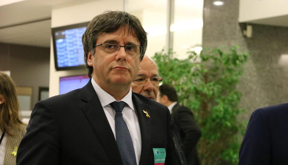 L'expresident Carles Puigdemont a l'interior de l'Eurocambra.