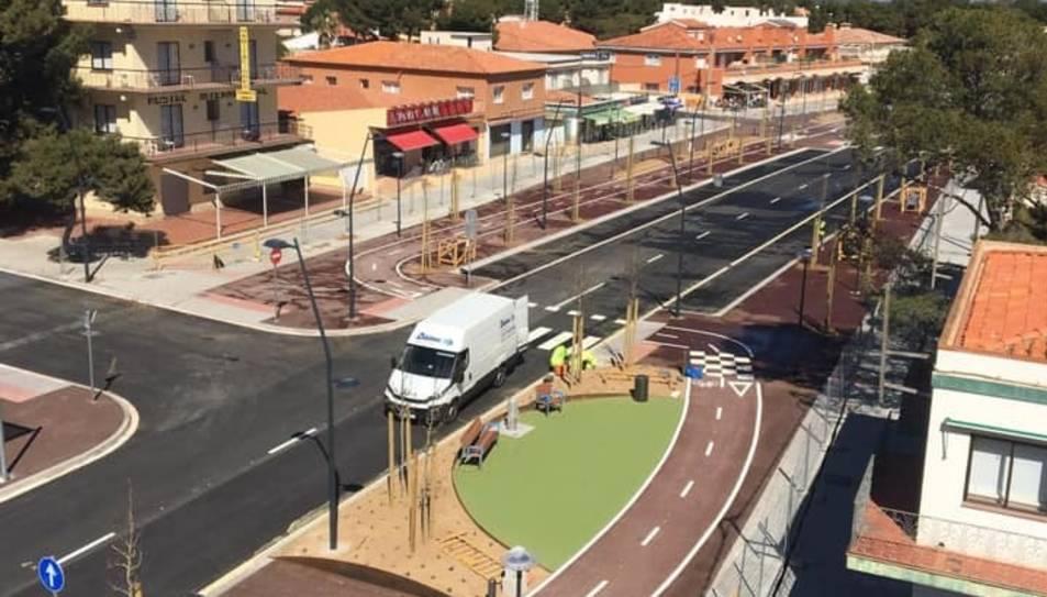 El primer tram de la nova avinguda de Barcelona, a Miami Platja.