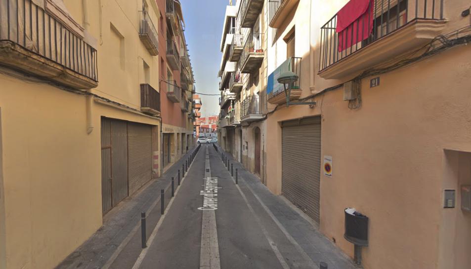 Els fets es van produir en un bloc de pisos del carrer Espinach.