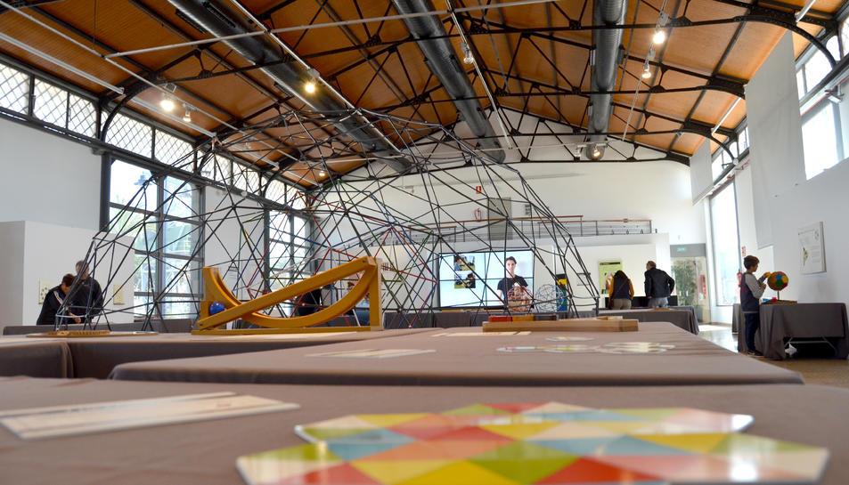 L'exposició s'ha instal·lat al Tinglado 1 del Moll de Costa de Tarragona.