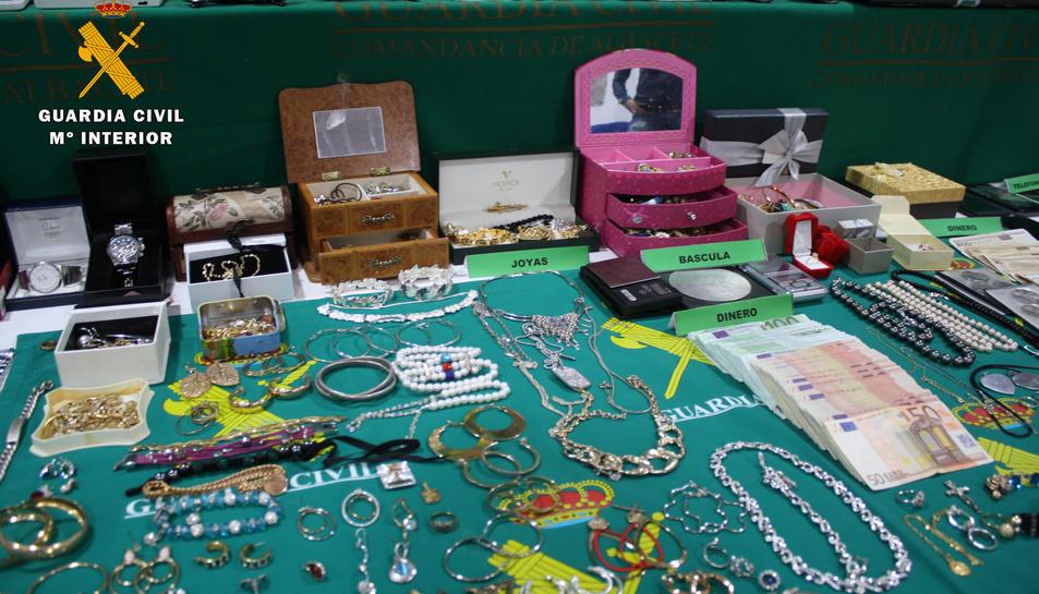 Material i diners dels robatoris