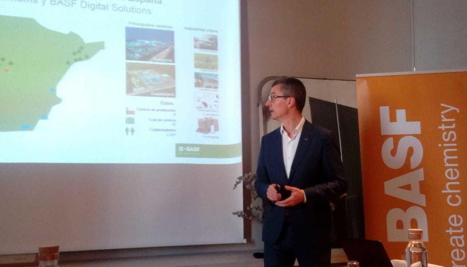 Carles Navarro, director general de BASF Española SL, ahir durant la presentació.