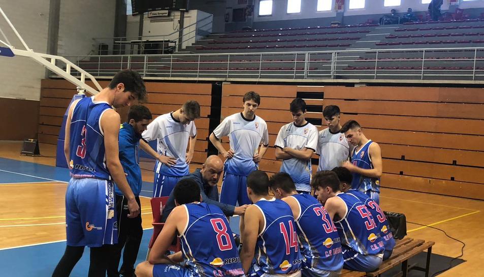 Pep Garcia, durant un partit donant instruccions als seus jugadors, al pavelló del Serrallo.