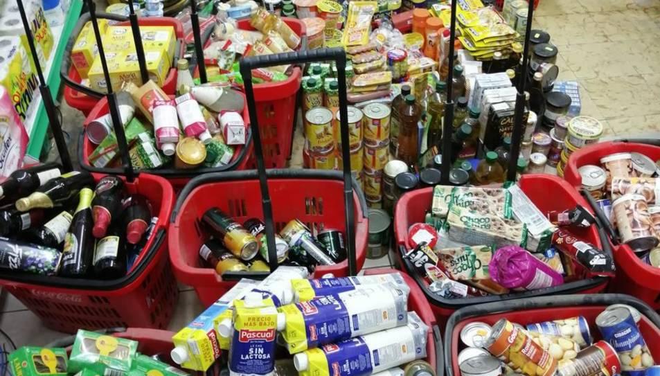 Imatge dels productes retirats del supermercat.