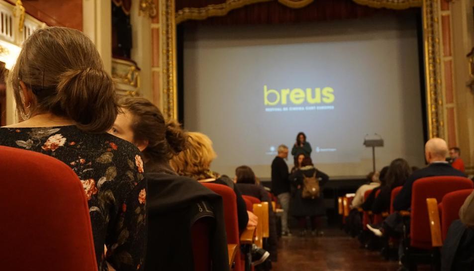 L'acte inaugural es va celebrar el Teatre Bartrina.