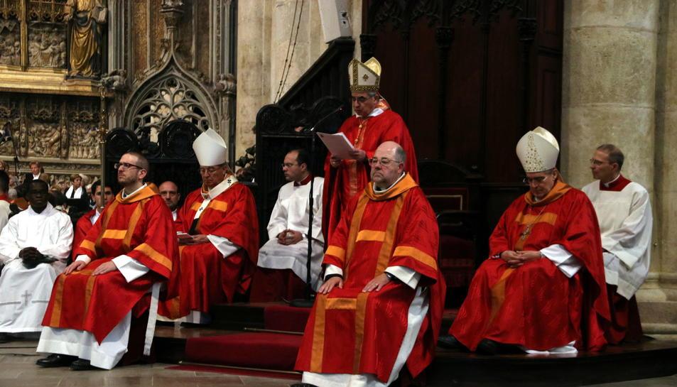 Els eclesiàstics en la beatificació del doctor Marià Mullerat i Soldevila a la Catedral de Tarragona, entre ells el cardenal Angelo Becciu.