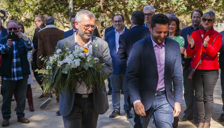 Francisco Domínguez i Rubén Viñuales, a l'ofrena floral de Blas Infante, el passat 4 de març.
