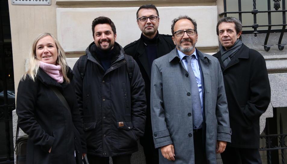 Els observadors d'ITW Monica Aranda, Jorge Correcher, Hadi Cin, Gustavo Palmieri i del portaveu de la plataforma Iñaki Rivera.