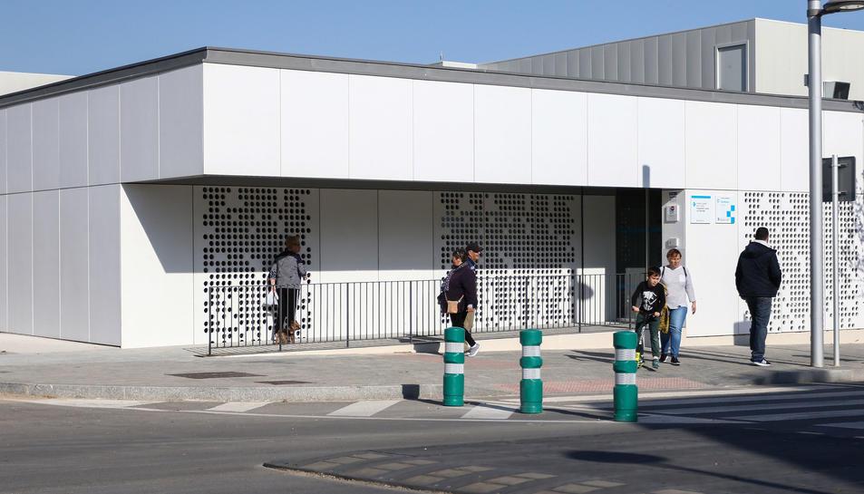 El nou edifici s'ha construït al carrer H de la Canonja.