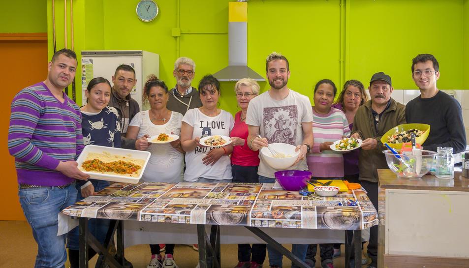 Imatge dels participants al curs d'auxiliar de cuina.