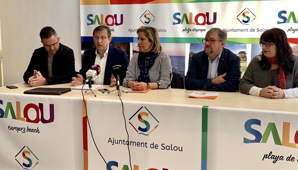 Imatge de la roda de premsa de Ciutadans Salou per anunciar que ha portat «l'ús partidista» de les xarxes socials del consistori a la Junta Electoral.