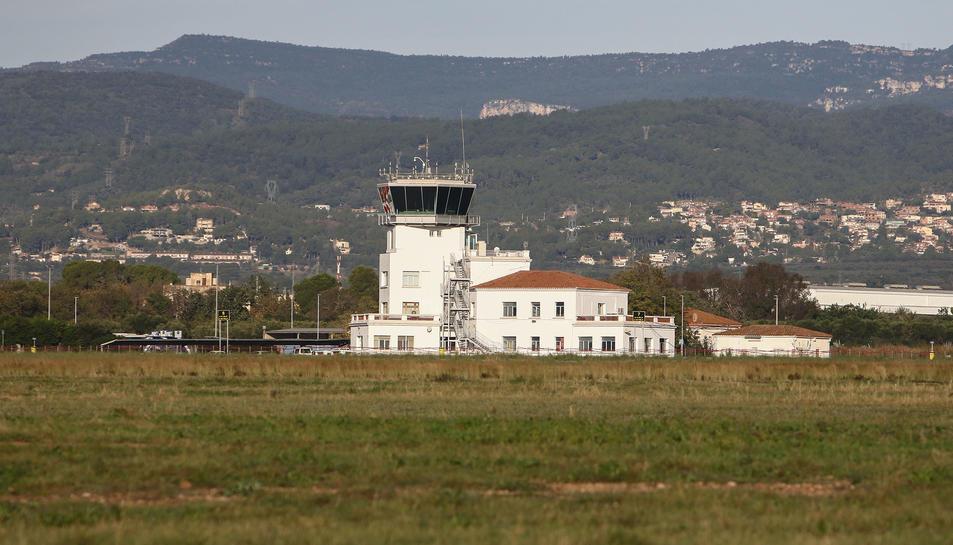 Una imatge d'arxiu de la torre de control de l'Aeroport.