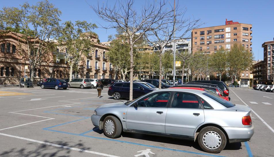 L'arribada dels autobusos farà desaparèixer un 40% de l'espai d'estacionament.