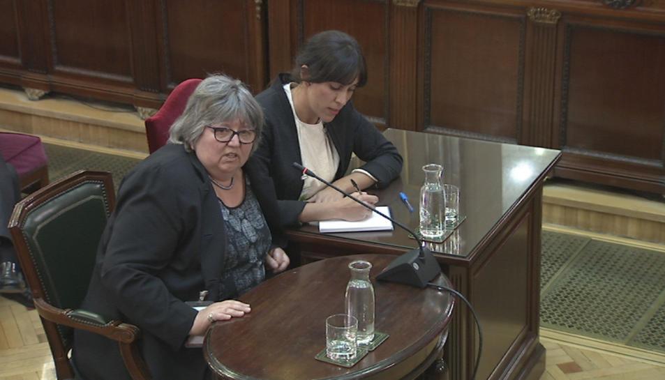 La portaveu d'un grup d'experts internacionals, Helena Catt, declarant al Tribunal Suprem.
