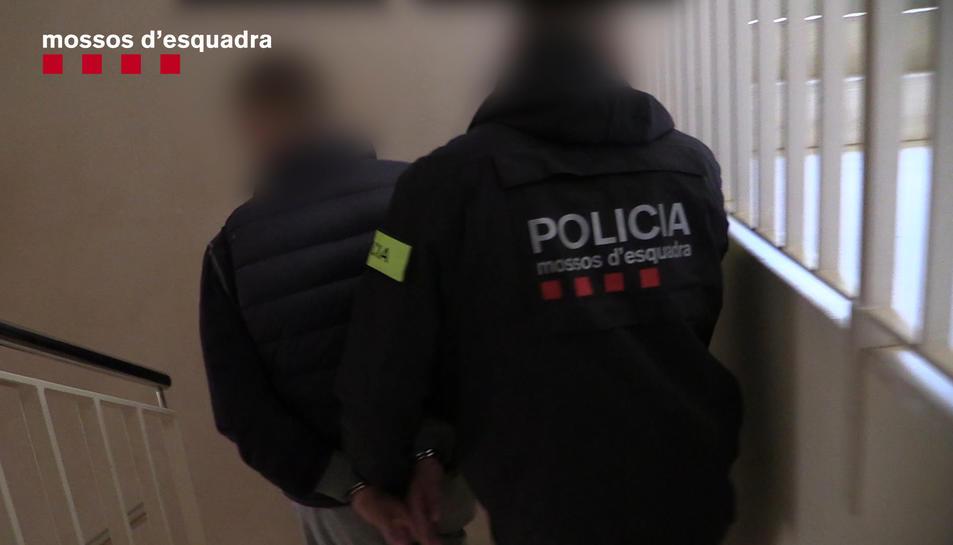 Els Mossos d'Esquadra han detingut un total de sis persones.