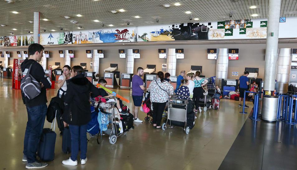Les destinacions que mouran més viatgers són Dublín, Manchester i Glasgow.