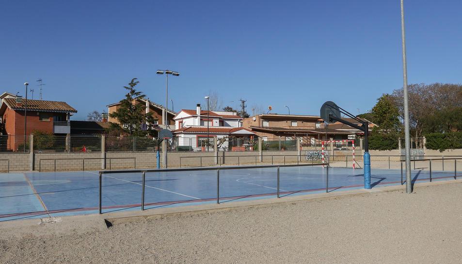 Imatge d'arxiu d'un dels patis de l'Escola Cèlia Artiga on, presumiblament, s'edificarà la instal·lació.