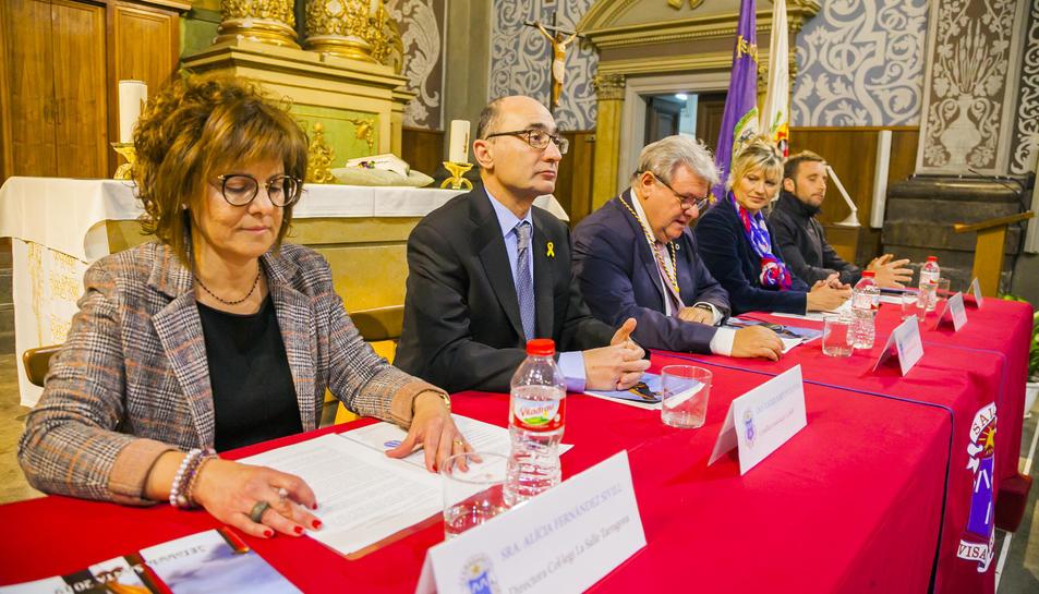 Alícia Fernández, ahir en la presentació de l'opuscle de la Salle a l'església de Sant Agustí.