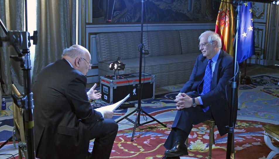 Imatge de l'entrevista a Josep Borrell al programa 'Conflict Zone'