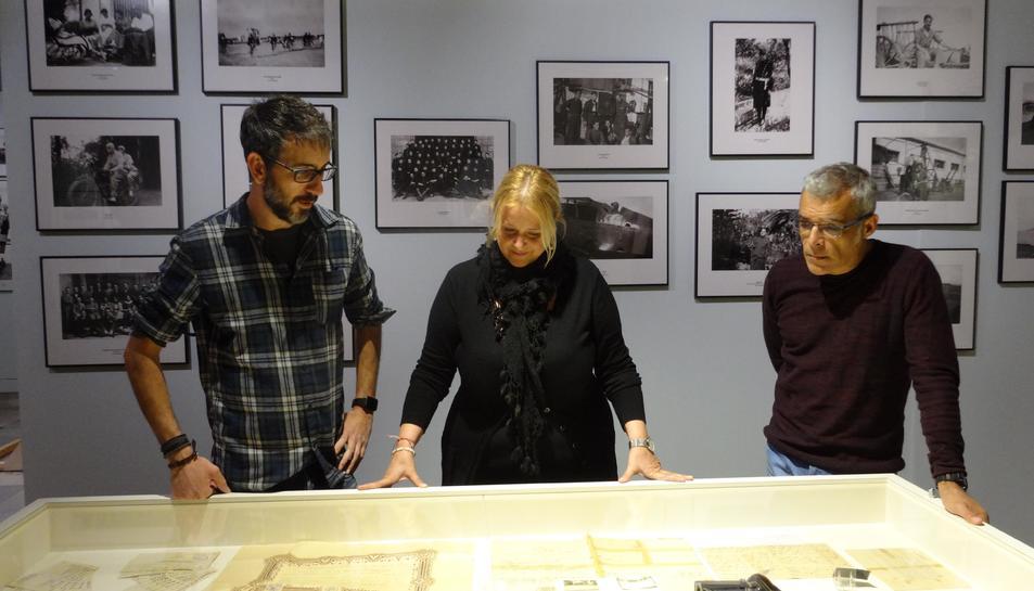 Àlex Cervelló, Montserrat Caelles i Marc Ferran al Museu de Reus.