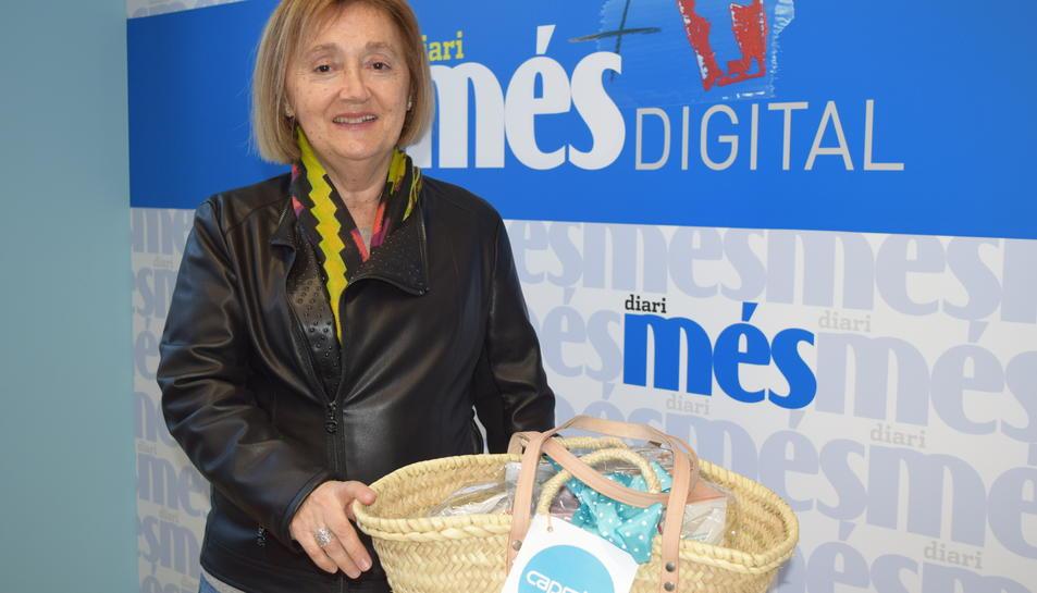 Patrícia Ríos, guanyadora de la cistella sortejada pel Diari Més i Caprabo.