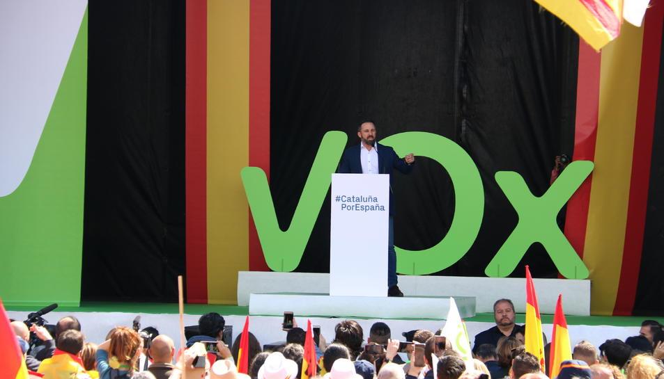Santiago Abascal, durant el seu discurs a la manifestació organitzada pel partit a l'avinguda Maria Cristina de Barcelona