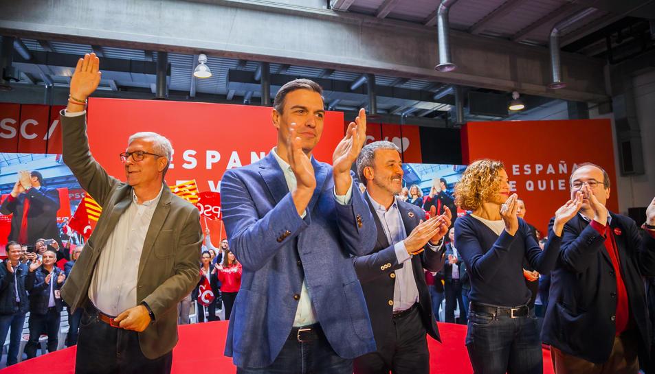 Pedro Sánchez amb Josep FèlixBallesteros, Meritxell Batet, MiquelIceta, i JaumeCollboni.