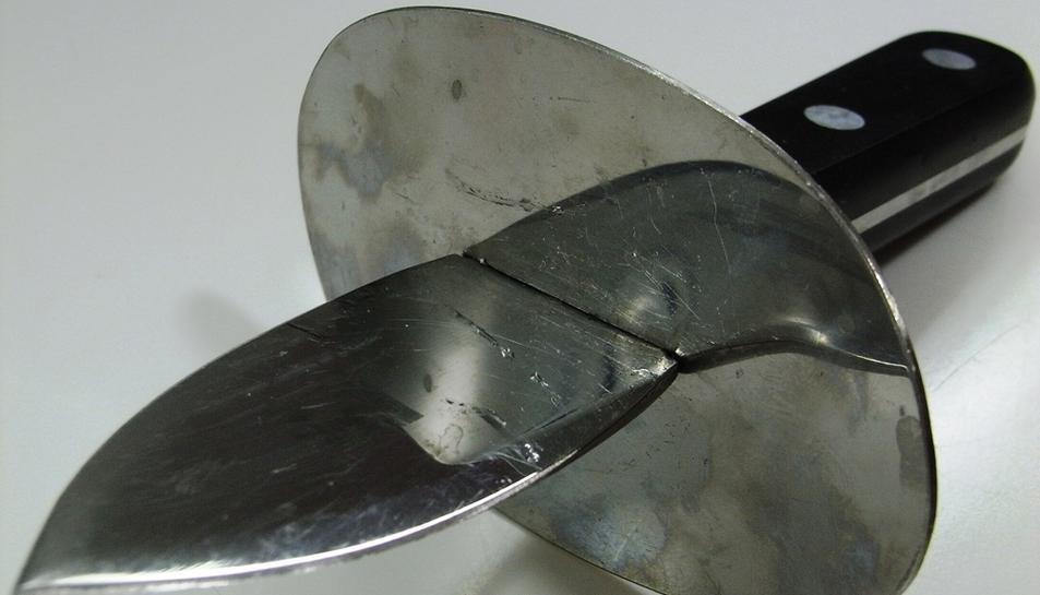 L'home va atacar la seva exparella amb un ganivet per obrir ostres.
