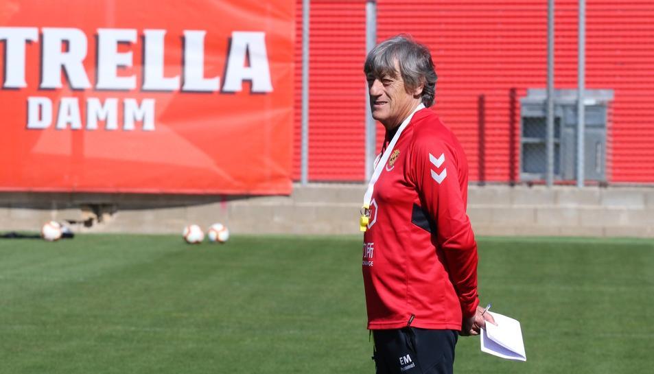 Enrique Martín durant una sessió d'entrenament del primer equip del Nàstic.