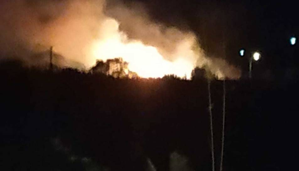 Imatge de l'incendi a la riera de Maspujols.