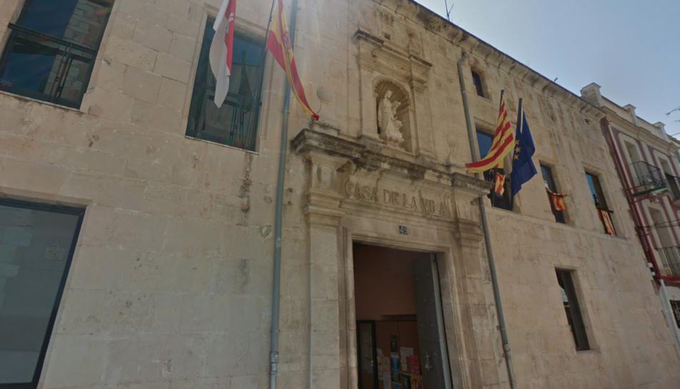 Imatga de la façana de l'ajuntament d'Ulldecona.