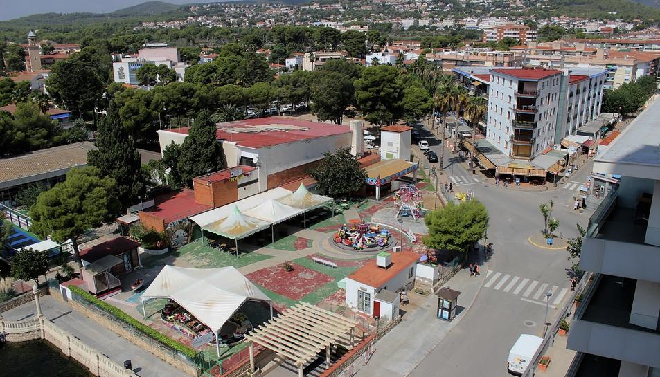 L'empresa adjudicatària encarregada de realitzar l'estudi és STOA Propostes Culturals i Turístiques.