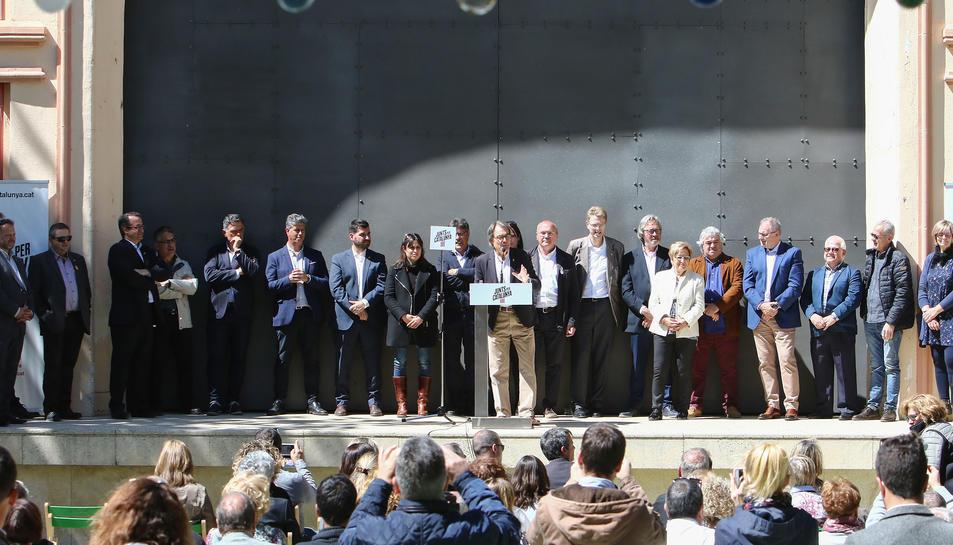 Artur Mas i alguns dels alcaldables del Baix Camp durant la seva presentació aquest diumenge.