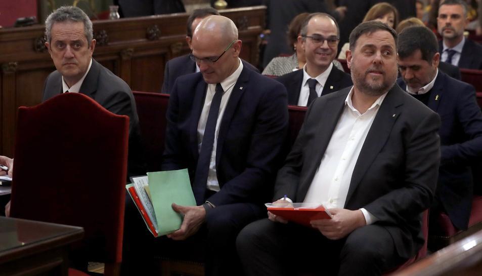 Oriol Junqueras, Raül Romeva i Joaquim Forn, durant la primera sessió del judici el 12 de febrer